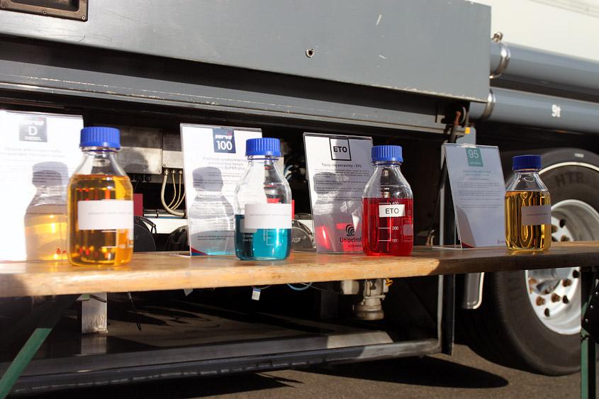 Химическая ярмарка 23 сентября 2011: ВШХТ, Карлов университет. Chemický jarmark 23.09.2011